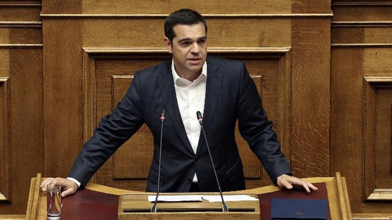 Οργή Τσίπρα για τις απειλές κατά βουλευτών: «Τώρα καθίστε κάτω, μιλάει ο πρωθυπουργός και θα ακούτε»