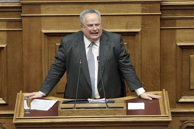 Ο υπουργός Εξωτερικών Νίκος Κοτζιάς μιλάει από το βήμα της Βουλής στη συζήτηση επί της πρότασης δυσπιστίας της Νέας Δημοκρατίας κατά της Κυβέρνησης, στην Ολομέλεια της Βουλής, Αθήνα, Σάββατο 16 Ιουνίου 2018. ΑΠΕ-ΜΠΕ/ ΑΠΕ-ΜΠΕ/ ΣΥΜΕΛΑ ΠΑΝΤΖΑΡΤΖΗ