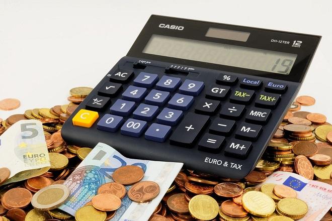 money euro ευρω χρηματα λεφτα χαρτονομισματα calculator coins κερματα κομπιουτερακι