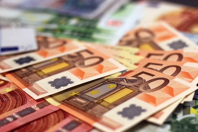 money euro ευρω χρηματα λεφτα χαρτονομισματα