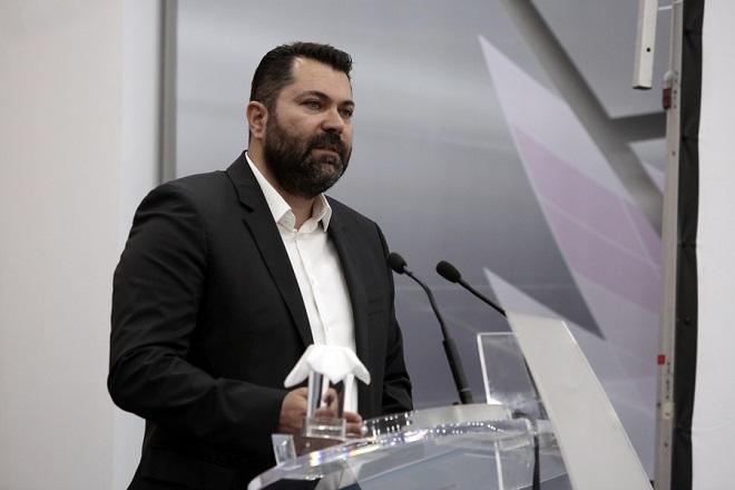 Ο Γενικός Γραμματέας Ενημέρωσης και Επικοινωνίας του Υπουργείου ΨΗΠΤΕ, Λευτέρης Κρέτσος, μιλάει σε εκδήλωση για την παρουσίαση-προβολή του ντοκιμαντέρ: «Πόντος. Μνήμες στην ομίχλη του παρελθόντος», το οποίο δημιουργήθηκε με τη συμβολή της Γενικής Γραμματείας Ενημέρωσης και Επικοινωνίας του Υπουργείου ΨΗΠΤΕ, Αθήνα, Τρίτη 24 Απριλίου 2018. ΑΠΕ ΜΠΕ/ΑΠΕ ΜΠΕ/ΣΥΜΕΛΑ ΠΑΝΤΖΑΡΤΖΗ