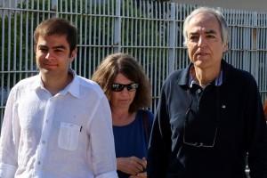 Ο Δημήτρης Κουφοντίνας βγαίνει από τις φυλακές Κορυδαλλού με άδεια 48 ωρών συνοδευόμενος από τους οικοίους του, Αθήνα Τρίτη 19 Ιουνίου 2018. ΑΠΕ-ΜΠΕ/ΑΠΕ-ΜΠΕ/ΟΡΕΣΤΗΣ ΠΑΝΑΓΙΩΤΟΥ