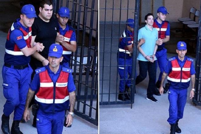 Ειδική μηνιαία αποζημίωση στους δύο Έλληνες στρατιωτικούς