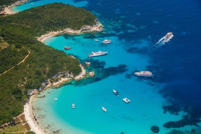 The Sunday Times Travel Magazine: Αφιέρωμα-ύμνος στα ελληνικά νησιά