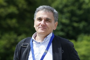 epa06827193 Greek Finance Minister Euclid Tsakalotos arrives for a meeting for the 20th anniversary of Eurogroup at Castle of Senningen in Luxembourg, 21 June 2018. The Eurogroup will assess the progress achieved by Greece in implementing the prior actions required under the fourth (and the final) review of its programme.  EPA/JULIEN WARNAND