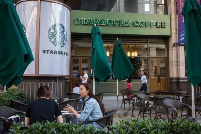 Η Starbucks συνεργάζεται με την Alibaba για να φέρει το delivery καφέ στην Κίνα