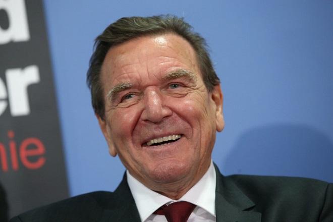 Πρόεδρος της ρωσικής Rosneft επανεξελέγη ο Σρέντερ