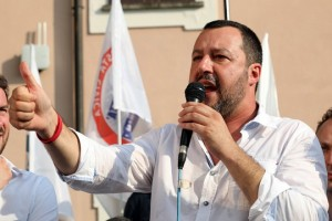 epa06816577 Italian Interior Minister Matteo Salvini (C) speaks at a local election rally in Cinisello Balsamo, near Milan, Italy, 17 June 2018. Reports state that the 'Italian government will promote development initiatives in Africa, to stem immigration to Europe' Salvini said.  EPA/FABRIZIO RADAELLI