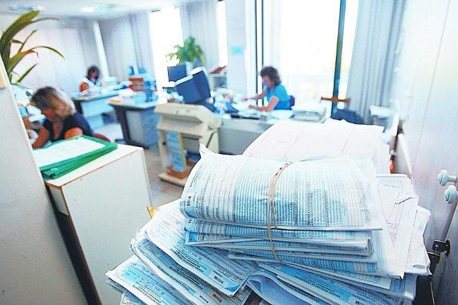 Πέφτει η αυλαία των φορολογικών δηλώσεων- Τι ισχύει για πληρωμές και πρόστιμα
