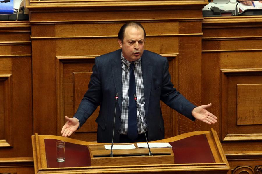 Λαζαρίδης: Δεν θα παραδώσω την έδρα μου, δεν εξαγοράστηκα από κανέναν