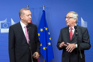 Recep Tayyip Erdoğan, on the left, and Jean-Claude Juncker