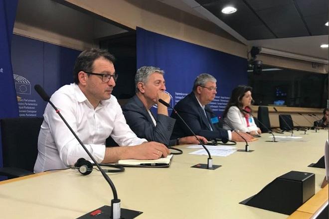 Στο Ευρωπαϊκό Κοινοβούλιο βρέθηκαν εδέσματα και προϊόντα που θυμίζουν Ελλάδα
