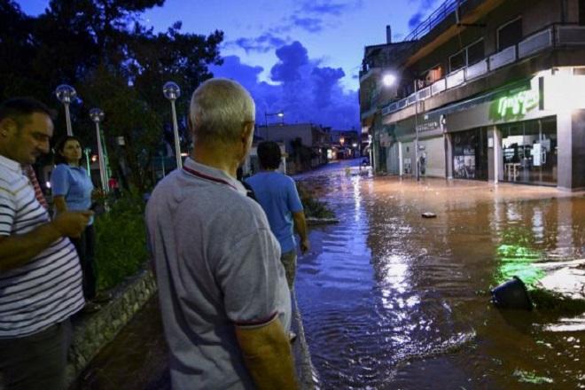 Νέος εφιάλτης για τους κατοίκους της Μάνδρας – Πλημμύρες και καταστροφές