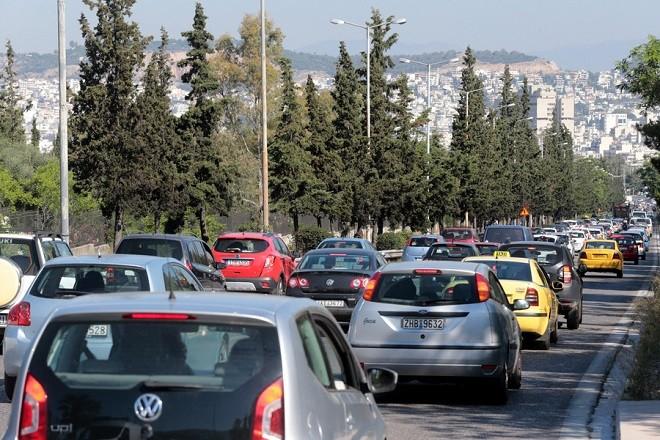 Αυξημένη η κίνηση των οχημάτων σε δρόμους που οδηγούν στο κέντρο της Αθήνας Δευτέρα 14 Μαΐου 2018. Εικοσιτετράωρη απεργία πραγματοποιούν οι εργαζόμενοι στο ΜΕΤΡΟ με αποτέλεσμα την αύξηση των οχημάτων στους δρόμους της Αθήνας. ΑΠΕ-ΜΠΕ/ΑΠΕ-ΜΠΕ/Παντελής Σαίτας