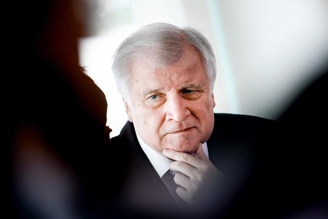 Δεν αποκλείει το ενδεχόμενο διάλυσης του κυβερνητικού συνασπισμού ο Ζέεχοφερ