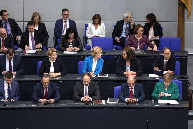 H γερμανική βουλή ψήφισε «ναι» για τη συμφωνία του Eurogroup