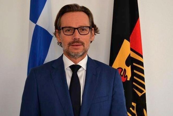 Γερμανός πρέσβης: «Απολύτως αποκρουστικά» τα περί ανταλλαγής μεταξύ Ελλάδας-Γερμανίας για Σκοπιανό