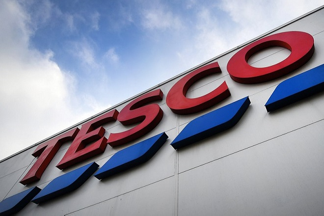 epa06661392 (FILE) - A Tesco supermarket in London, Britain, 27 January 2017 (reissued 11 April 2018). Tesco on 11 April 2018 announced 1.3 billion pounds on annual profits, a rise of 145 million pounds compared to the previous year.  EPA/ANDY RAIN