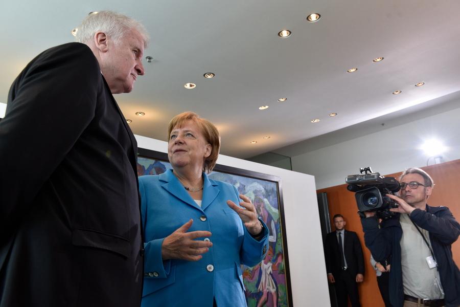 Η καγκελάριος Μέρκελ στη δίνη μιας κυβερνητικής κρίσης