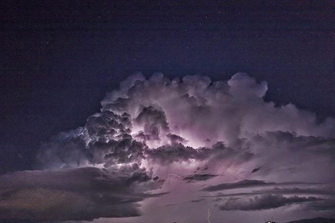 Άστατος ο καιρός σήμερα με συννεφιά, βροχές και σποραδικές καταιγίδες
