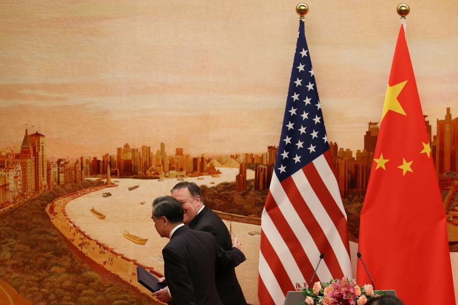 Η «Μεγάλη Παρασκευή» ενός παγκόσμιου εμπορικού πολέμου πλησιάζει. Τι ακριβώς θα συμβεί;
