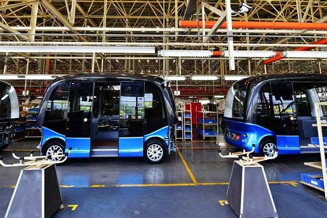 Η κινεζική «Google» αρχίζει μαζική παραγωγή λεωφορείου χωρίς οδηγό