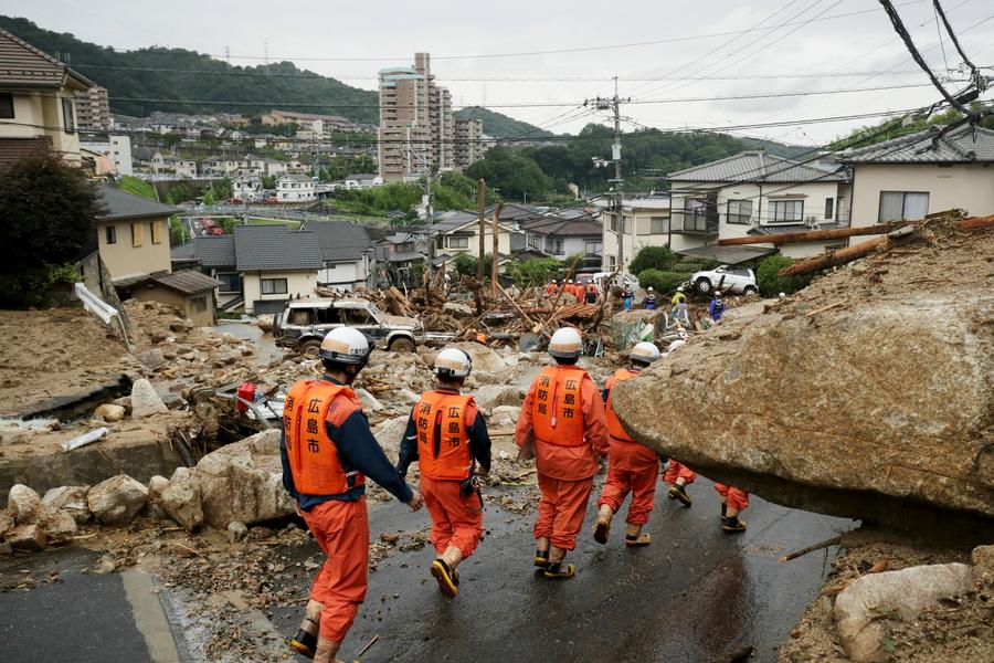 Δεκάδες νεκροί στην Ιαπωνία από τις άνευ προηγουμένου βροχοπτώσεις
