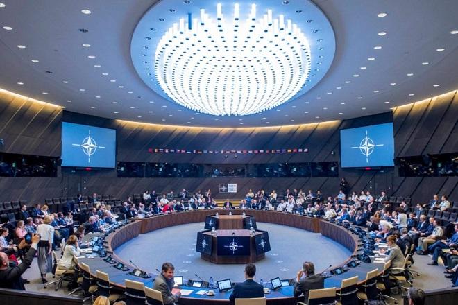 Η Σύνοδος του ΝΑΤΟ, ο Τραμπ και το αμυντικό παράδειγμα της Εσθονίας