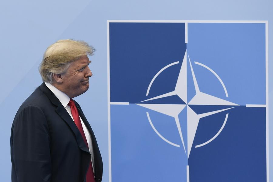 Απειλές και νέα μετωπική επίθεση του Τραμπ στην Μέρκελ