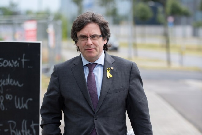 epa06882942 (FILE) - Former Catalan leader Carles Puigdemont arrives for a meeting with Catalan regional president Quim Torra (not pictured) in the HolidayInn in Berlin, Germany, 21 June 2018 (reissued 12 July 2018). The public proscutor of German federal state Schleswig-Holstein on 12 July 2018 announced it will authorize an extradition of Puigdemont to Spain. Puigdemont is sought by Spain who issued an European arrest warrant against the former leader.  EPA/MARKUS HEINE