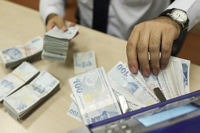 «Βουλιάζει» η τουρκική λίρα – Σε νέο ιστορικό χαμηλό το τουρκικό νόμισμα