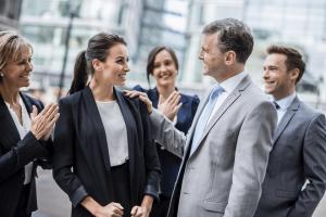 praise attitude business meeting office γραφειο επιχειρηση συναντηση