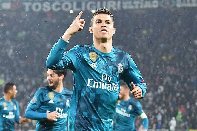 epaselect epa06644069 Real Madrid's Cristiano Ronaldo jubilates after scoring the 2-0 goal during the UEFA Champions League quarter final first leg soccer match between Juventus FC vs Real Madrid CF at Allianz stadium in Turin, Italy, 03 April 2018.  EPA/ANDREA DI MARCO