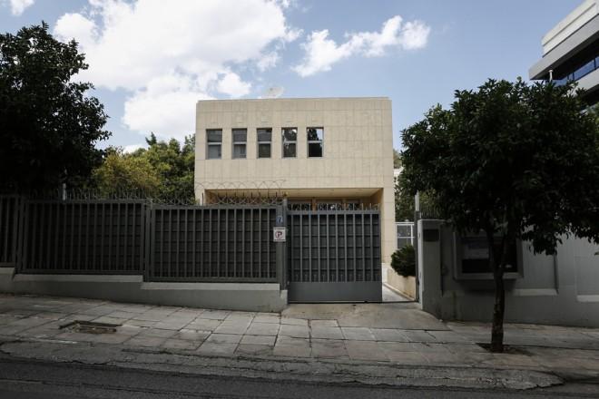 Η ρωσική πρεσβεία στην Αθήνα, Χαλάνδρι, Πέμπτη 12 Ιουλίου 2018. Σύμφωνα με πληροφορίες, η Ελλάδα προχώρησε στην απέλαση δύο Ρώσων διπλωματών και στην απαγόρευση εισόδου στην Ελλάδα άλλων δύο για παράνομες ενέργειες κατά της εθνικής ασφάλειας.  ΑΠΕ-ΜΠΕ/ΑΠΕ-ΜΠΕ/ΓΙΑΝΝΗΣ ΚΟΛΕΣΙΔΗΣ