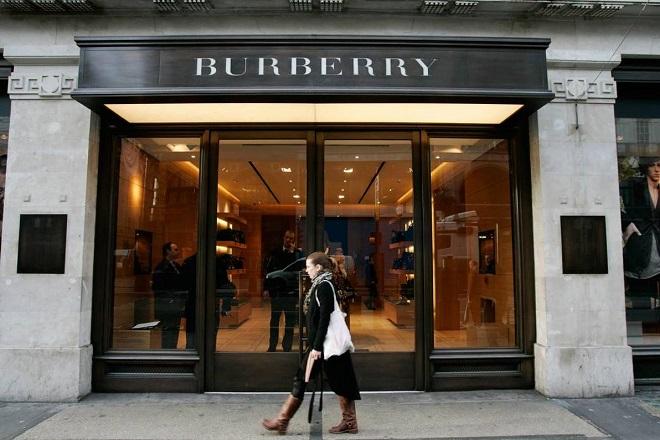 Η Burberry έκαψε προϊόντα 32 εκατομμυρίων ευρώ για να… μην πουληθούν φτηνά!
