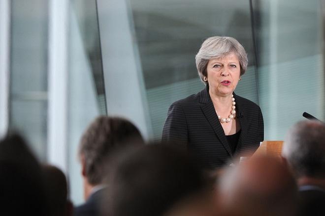 Μπλόκο στις προτάσεις Μέι για το Brexit – Η αντίδραση της κυβέρνησης