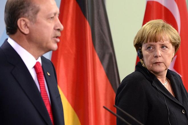 SZ: Στην Τουρκία για το μεταναστευτικό η Άνγκελα Μέρκελ
