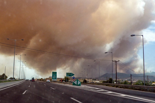 Πυρκαγιά σε Σταμάτα Αττικής και ανατολική Μάνη