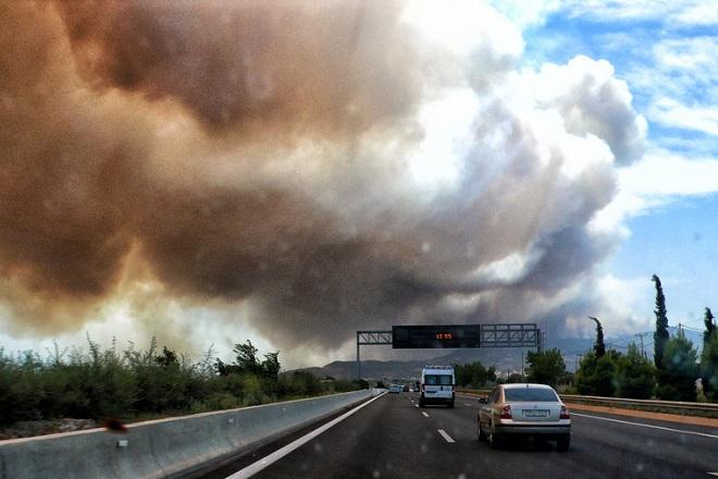 Απαγόρευση κυκλοφορίας σε περιοχές της Αττικής σήμερα – Υψηλός κίνδυνος πυρκαγιάς