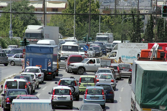 Μποτιλιάρισμα στη λεωφόρο Κηφισίας,  την Τετάρτη 1 Μαρτίου 2017. Ακινητοποιημένα θα μείνουν τα μέσα σταθερής τροχιάς (Μετρό, ΗΣΑΠ, Τραμ) της Αθήνας λόγω 24ωρης απεργίας των εργαζομένων. Τα σωματεία των εργαζομένων της ΣΤΑΣΥ αντιδρούν στη νομοθετική ρύθμιση που προωθεί το υπουργείο Υποδομών και Μεταφορών με την οποία η εμπορική εκμετάλλευση σταθμών και λοιπών χώρων της ΣΤΑΣΥ εκχωρείται στον ΟΑΣΑ. ΑΠΕ-ΜΠΕ/ΑΠΕ-ΜΠΕ/ΑΛΕΞΑΝΔΡΟΣ ΒΛΑΧΟΣδδσςφα