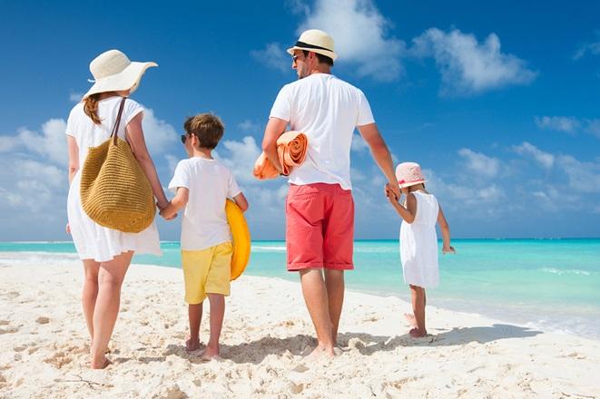 Οι 5 πιο φθηνοί προορισμοί για οικογένειες τον Αύγουστο