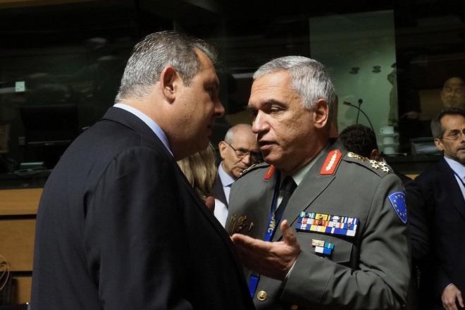 Κωσταράκος κατά Καμμένου: Ο στρατός δεν γκρεμίζει τα σπίτια κανενός