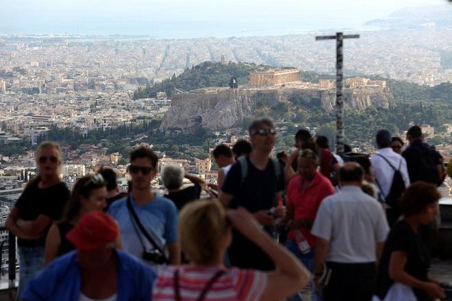 ΤτΕ: Ξεπέρασαν τα 34 εκατ. οι τουρίστες που επισκέφθηκαν την Ελλάδα το 2019
