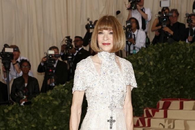 Η Άννα Γουίντουρ βάζει τέλος στις φήμες: Παραμένει επικεφαλής του Vogue