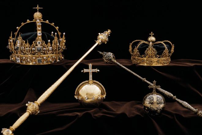 Κοσμήματα της σουηδικής βασιλικής οικογένειας «κάνουν φτερά»