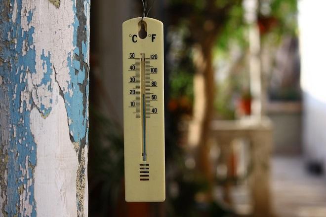 Πώς να αντιμετωπίσετε τη ζέστη χωρίς να «καεί» η τσέπη σας
