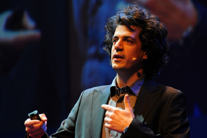 Κ. Δασκαλάκης: «Έρχονται νέες εφαρμογές στα κινητά που θα καταγράφουν τις συναντήσεις μας και θα εντοπίζουν τον ιό»