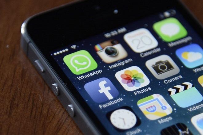Ο τεράστιος αριθμός ψεύτικων λογαριασμών που κλείνει κάθε μήνα το WhatsApp