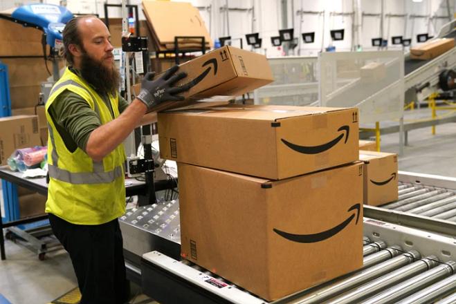 Σε έρευνα υπόθεσης εταιρικής κατασκοπείας προχωρά η Amazon