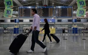 greeks-airport